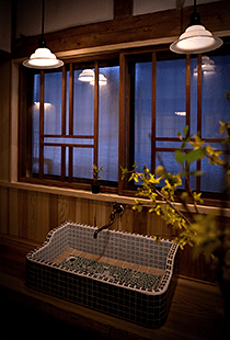 共同の炊事場「水蔵」写真1