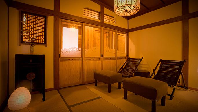 「月山」室内写真1