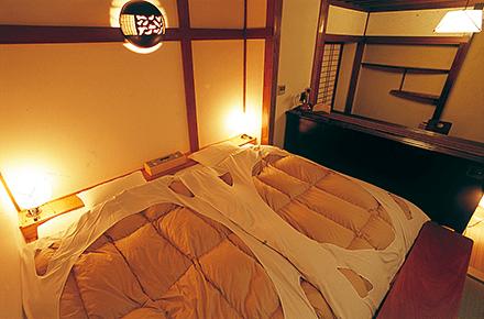 「月山」室内写真8 ベッド